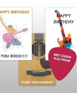 Verjaardagskaart gitaar met plectrums